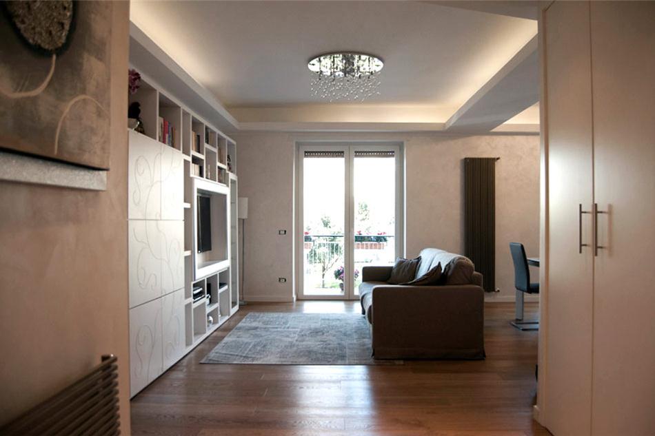 Ristrutturazione appartamento in zona togliatti roma for Case in ristrutturazione