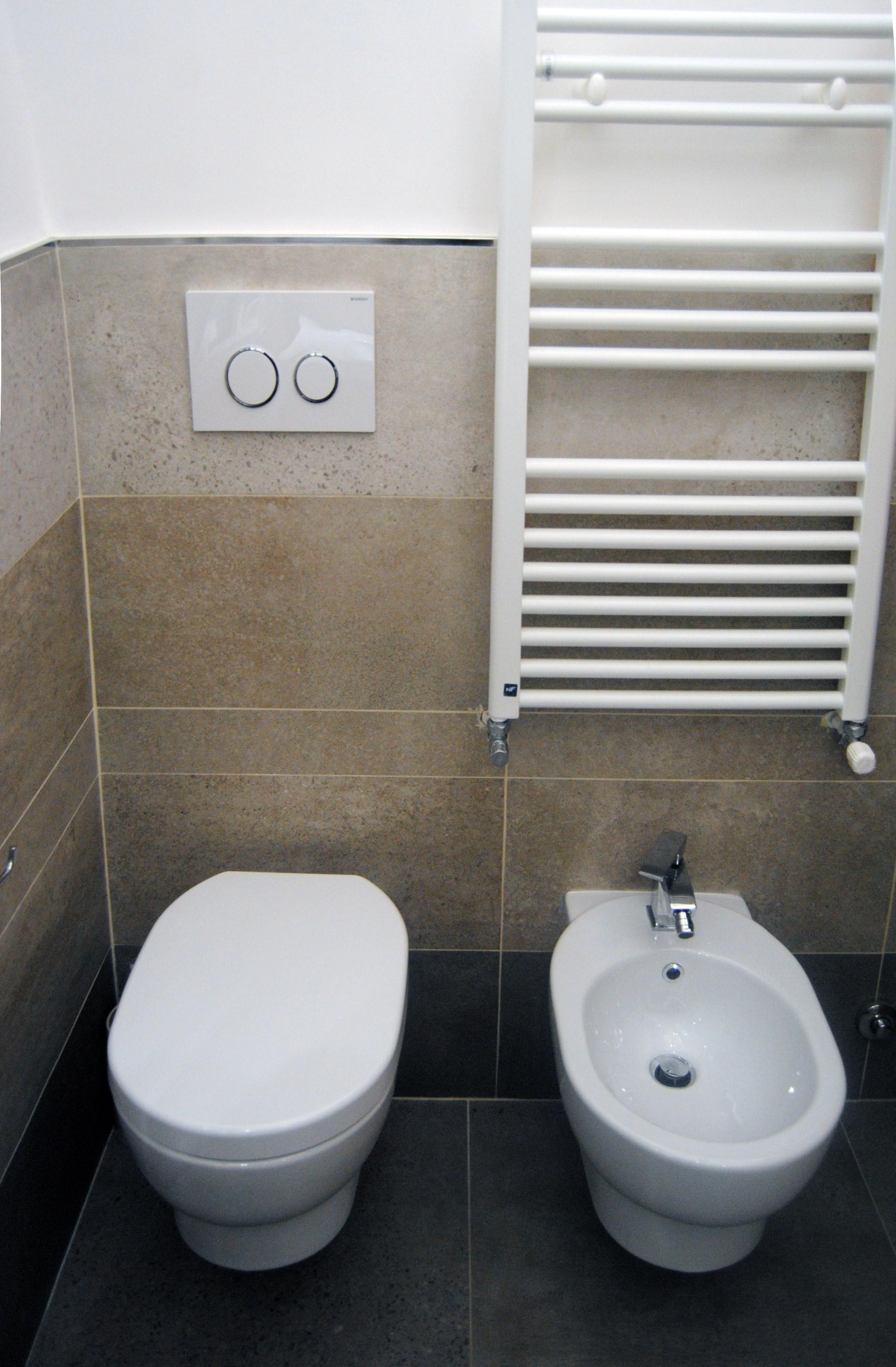 Ristrutturazione appartamento in zona cinecitta roma - Rifacimento bagno cil o cila ...